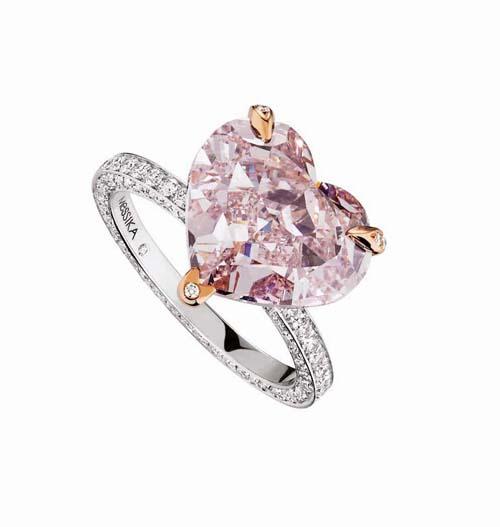 Messika Haute Joaillerie_Bague Coeur 7,06 carats[3]